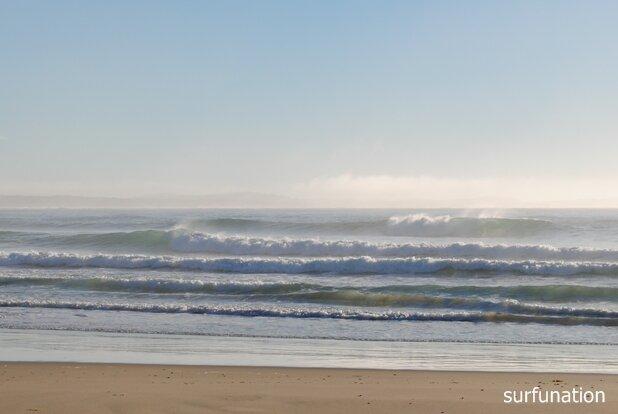 Dunbogan Beach surf