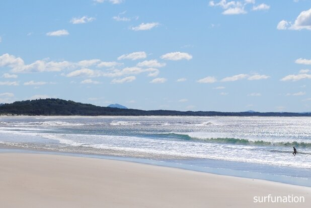 Noosa Main Beach surf