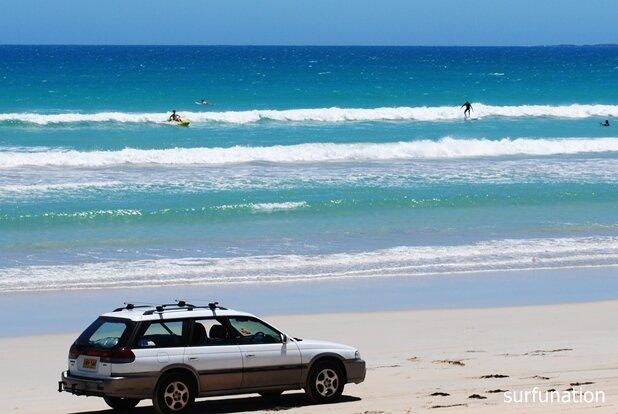 Long Beach Robe whitewater surfing